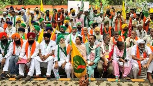 Protesting farmers hold 'Kisaan Parliament' at Delhi's Jantar Mantar