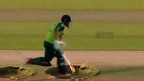 Pakistan Cricket: Debut Match के दौरान सोशल मीडिया पर छाया ये पाकिस्तानी प्लेयर, वजह जान रह जाएंगे हैरान!