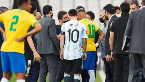 Argentina के खिलाड़ियों को दबोचने के लिए बीच मैच पहुंची पुलिस, कोरोना नियमों की अवहेलना का आरोप