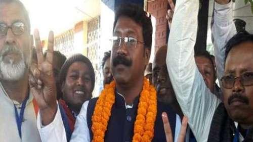 Jharkhand Horse Trading: कांग्रेस विधायक का दावा- 'सरकार बदलने के लिए मिला मंत्री पद और करोड़ों का ऑफर'