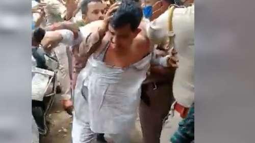 BJP नेता के कपड़े फाड़े