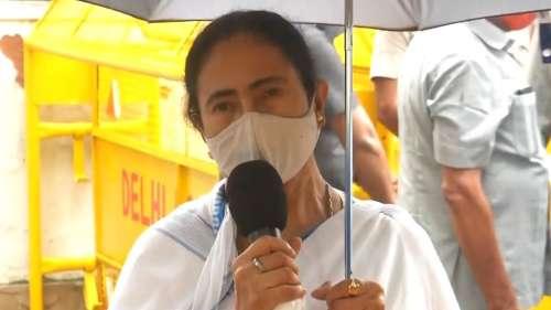 Modi-Mamata Meeting : বাংলার আরও টিকা প্রয়োজন, মোদীকে বললেন মমতা