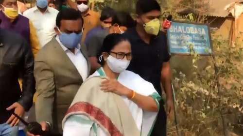 Mamata Banerjee:ভবানীপুর উপনির্বাচনে বুথে বুথে প্রচার শুরু করলেন মমতা, পাল্টা টুইট বিজেপির