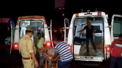 Barabanki Road Accident: बाराबंकी में खड़ी बस को ट्रक ने पीछे से टक्कर मारी, हादसे में 18 लोगों की मौत
