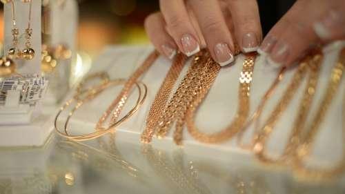 Gold Silver Price-17 Sep: सोने-चांदी के रेट में फिर बड़ी गिरावट, खरीदने का है सुनहरा मौका