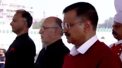 केजरीवाल ने गाया- हम होंगे कामयाब....PM मोदी का मांगा आर्शीवाद
