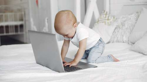 Got a screen fiend kid under 5? Here's why a digital detox is desperately in order