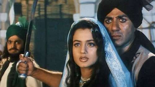 Sunny Deol is reuniting with Ameesha Patel, two decades later, for 'Gadar 2'