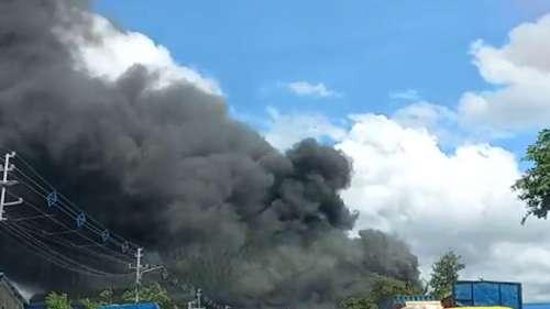 Gardenrich Fire: গার্ডেনরিচে ভয়াবহ অগ্নিকাণ্ড,  FCI-এর গুদামে আগুন