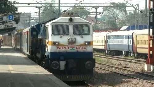 Howrah Train:হাওড়ার  দূরপাল্লার ট্রেন পরিষেবা বিপর্যস্ত, একাধিক দূরপাল্লার ট্রেন বাতিল,সময়সূচি বদল