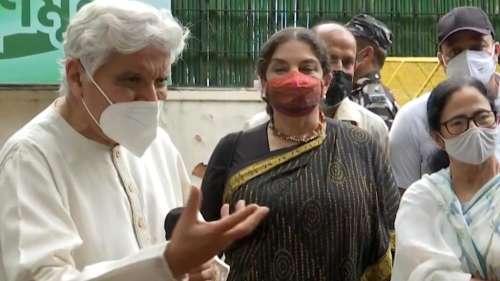 'Khela Hobe': Mamata wants Javed Akhtar to pen song on her viral poll slogan