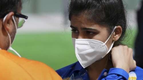 Tokyo Olympics, Manu Bhaker : বন্দুক বিভ্রাটে স্বপ্নভঙ্গ, এয়ার পিস্তলের ফাইনালেই উঠতে পারলেন না মনু