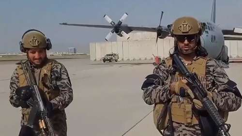 Taliban: মার্কিন সেনা ফেলে যাওয়া অস্ত্রে বিপুল শক্তিশালী তালিবান