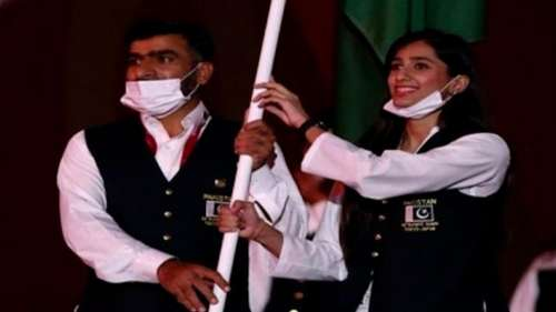 Tokyo Olympics: Pakistan team's flag bearer flouts Covid rules, marches maskless at opening parade