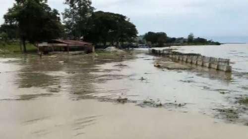 Weather Update: असम के 16 जिलों में बाढ़ की मार, उत्तराखंड और दिल्ली-NCR में भी जमकर होगी बरसात