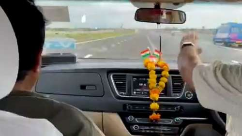 Watch: NitinGadkarizooms at 170 kmphon under-construction highway