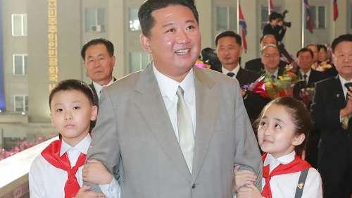 Kim Jong Un:  বদল হয়েছে চুলের ধরন, রোগাসোগা কিম জংকে দেখে অবাক নেটদুনিয়া