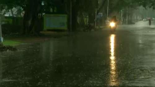 Weather: নিম্নচাপের জেরে গোটা সপ্তাহজুড়েই রাজ্যে রয়েছে বৃষ্টিপাতের সম্ভাবনা