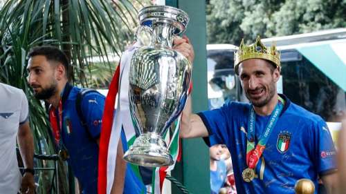 Watch! elated fans welcome Italy stars back in Rome after Euro triumph