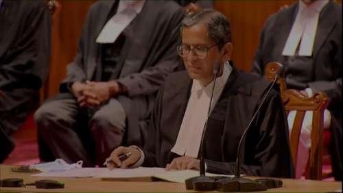 Supreme Court में पहली बार एक साथ 9 जजों ने ली शपथ, इनमें 3 महिला न्यायाधीश भी शामिल