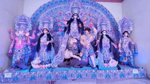 कोरोना इफेक्ट: बीरभूम में देवी दुर्गा की मूर्ति को चांदी का मास्क
