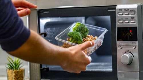 Myth vs Fact: क्या माइक्रोवेव आपके खाने के न्यूट्रिएंट्स को ख़त्म कर देता है?
