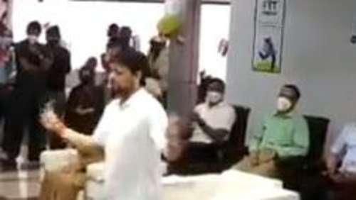 Fit India Mobile App: फिट हैं देश के खेल मंत्री...देखिए एक पैर से कैसे खेला रस्सी कूद का खेल