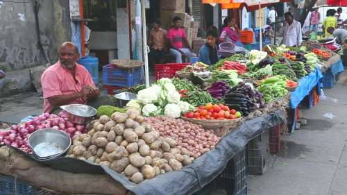 CPI inflation eases, retail price rise at 5-month low in September