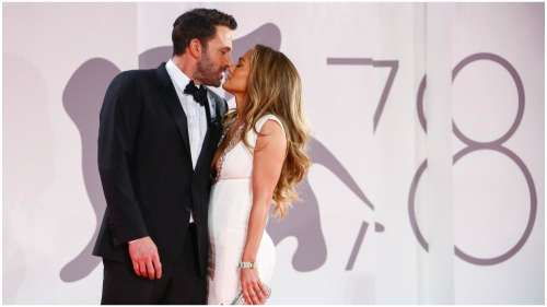 Jennifer Lopez and Ben Affleck return to red carpet for the first time in 17 years