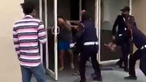 Viral Video: नोएडा की एक हाउसिंग सोसायटी में गार्ड्स ने फ्लैट ऑनर को डंडे से पीटा, दो आरोपी गिरफ्तार