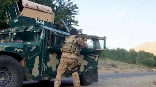 Afghanistan: तालिबान ने स्पिन बोल्डक में की 100 नागरिकों की हत्या, घरों को लूट फहराये झंडे