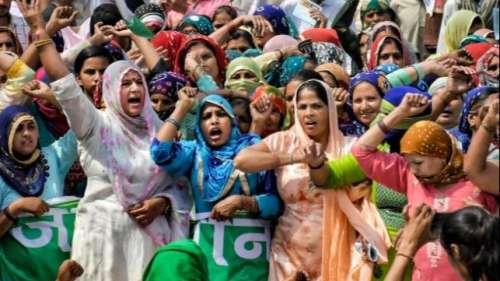 Farmers Protests: जंतर-मंतर पर आज लगेगी महिला किसान संसद, देश भर से आ रही हैं महिला किसान