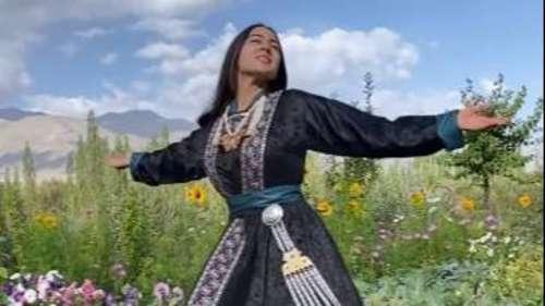 Sara Ali Khan: कश्मीर की वादियों से सारा का 'सिलसिला' वाला अंदाज, फैंस को खूब आ रहा पसंद