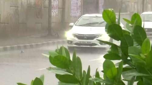 Bengal Weather: দক্ষিণবঙ্গে বৃষ্টি কমল, কিন্তু বিপদ কমল কী?