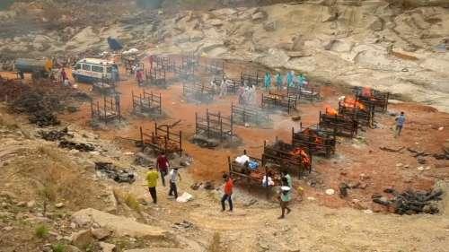 HC reports says oxygen shortage killed 36 in Karnataka hospital, Dy CM denies