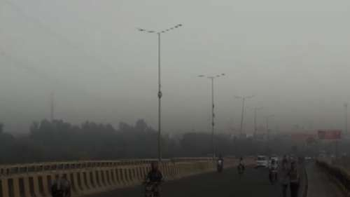 Delhi's air 'very poor', Saturday may be a little better
