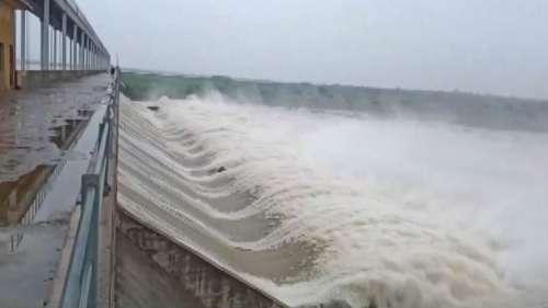 Rajasthan Rain: भारी बारिश के कारण जारी किया गया रेड अलर्ट, आंगई बांध के 22 में से 19 गेट खोले गए