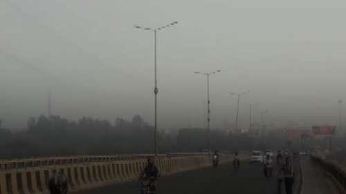 दिल्ली-NCR को स्मॉग से राहत नहीं, बारिश होने पर कुछ साफ हो सकती है हवा