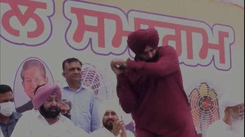 Watch: Navjot Singh Sidhu's swag as he takes over Punjab Congress chief