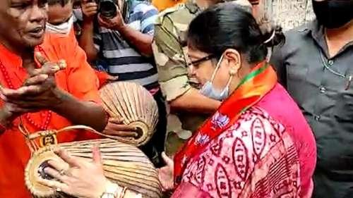 Priyanka Tibrewal Campaign: ভবানীপুরে খোল  বাজিয়ে প্রচার সারলেন বিজেপি প্রার্থী প্রিয়াঙ্কা টিব্রেওয়াল
