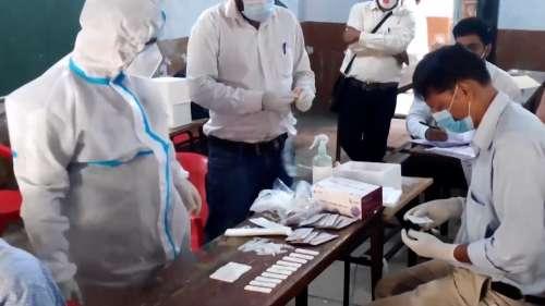 Covid-19 Cases: देश में फिर कम हुए कोरोना के केस, पिछले 24 घंटे मेंमिले 35,342 नए मरीज