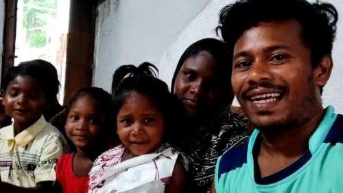 Youtuber Isak Munda: দিনমজুর থেকে ইউটিউবার! ওড়িশার যুবকের রোজগার লক্ষাধিক টাকা