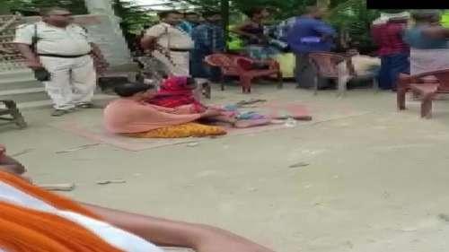 Bihar News: ग्रामीणों ने प्रेमी जोड़े को पेड़ से बांधकर की पिटाई, नग्न कर बनाया वीडियो