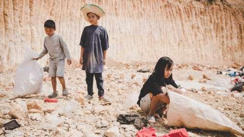 क्या गरीबी का बच्चों के मानसिक विकास पर पड़ता है असर? जानिये क्या कहती है रिसर्च
