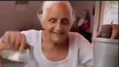 Viral Video: 80 साल की बुजुर्ग महिला बनी मिसाल, गुजर-बसर के लिए चलाती हैं जूस की दुकान