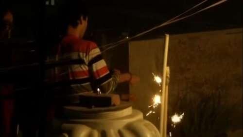 प्रतिबंध के बावजूद दिल्ली में जमकर चले पटाखे, गंभीर श्रेणी में AQI