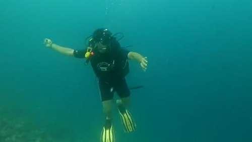Neeraj Chopra's ultimate holiday pictures, tries javelin practice underwater