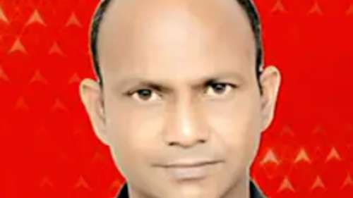 Journalist dies after flagging liquor mafia's threat to UP police