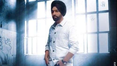 Ammy Virk's romantic love track 'Pyar Di Kahani' is a sensitive love story