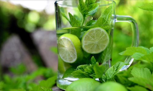 Glowing skin with mint